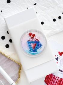 Набор для вышивки бисером магнита c акриловой рамкой  Чашечка в сердечко Абрис Арт АРВ-008 - 83.00грн.