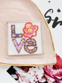 Набор для вышивки бисером магнита с акриловой рамкой Признание в любви