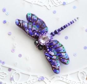 Брошь из бисера Фиолетовая стрекоза