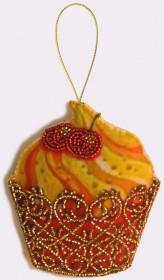 Набор для изготовления игрушки из фетра для вышивки бисером Кексик