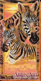 Набор для вышивки бисером на холсте Зебры